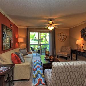 Bell Walker's Crossing apartments living room