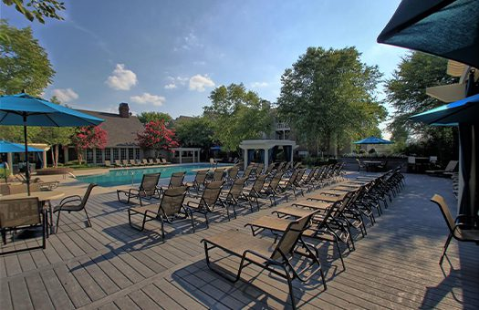 Bell Walker's Crossing apartments pool lounge chairs